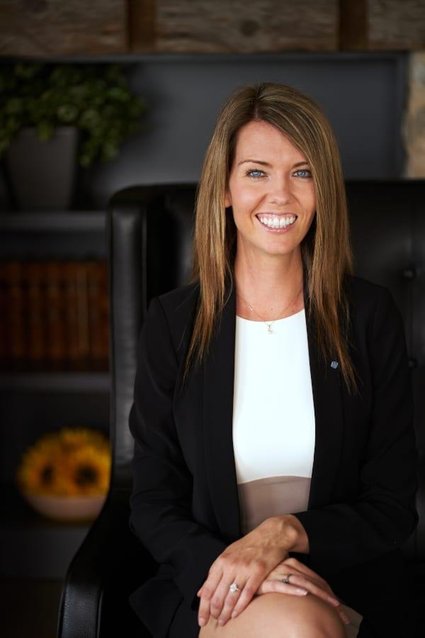 Lindsay Kalteis Headshot